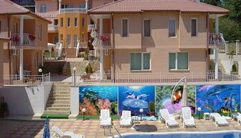 Aquarelle Hotel And Villas