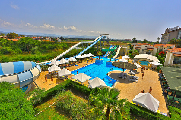 LYRA RESORT & SPA