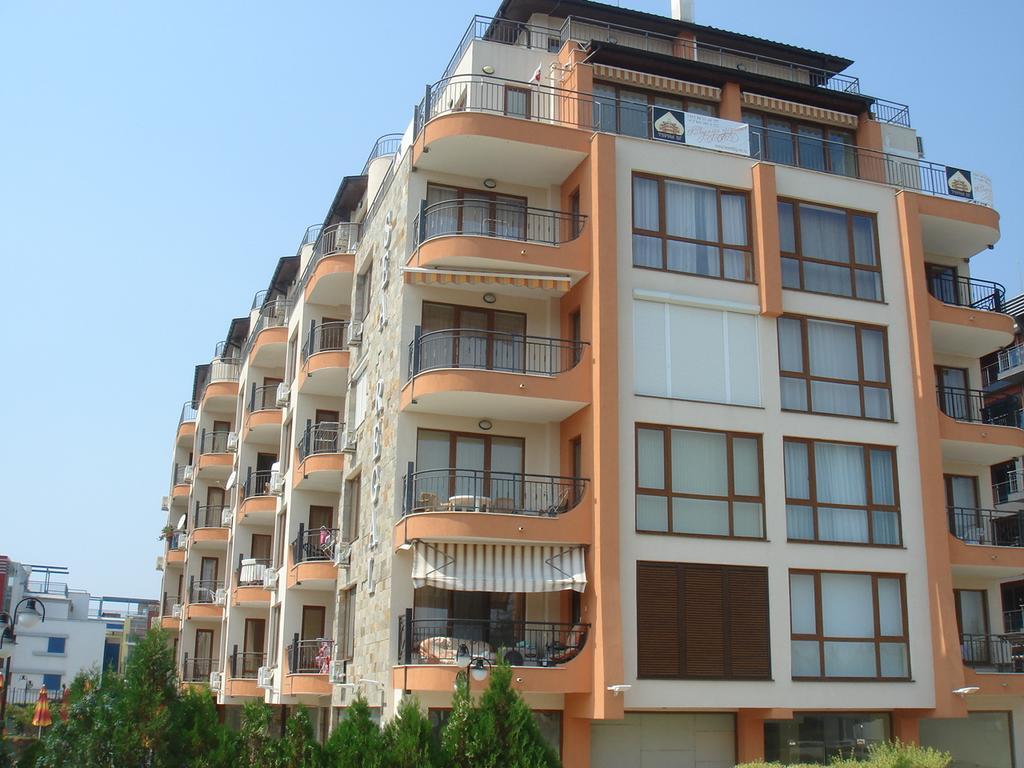 SEA REGAL APART  HOTEL