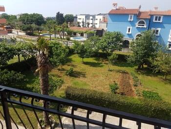 Apartments Zova