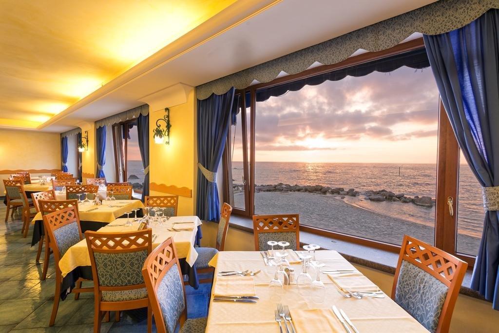 Tritone Terme Resort Spa