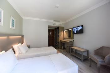 Pine Valley Hotel