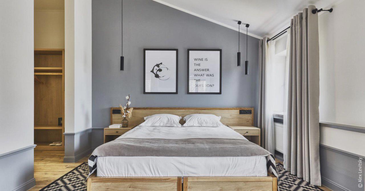 Wine & Pillow Hotel