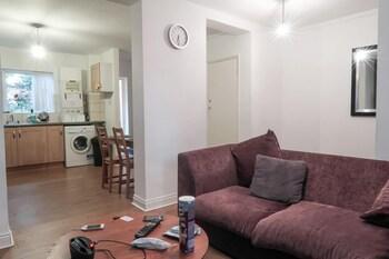 Bazely Street - Deluxe Double Room