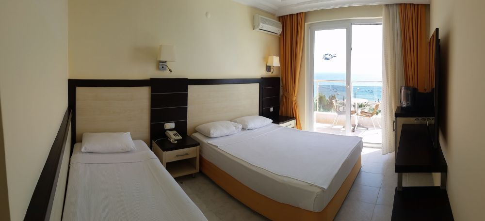 Balik Hotel Kleopatra