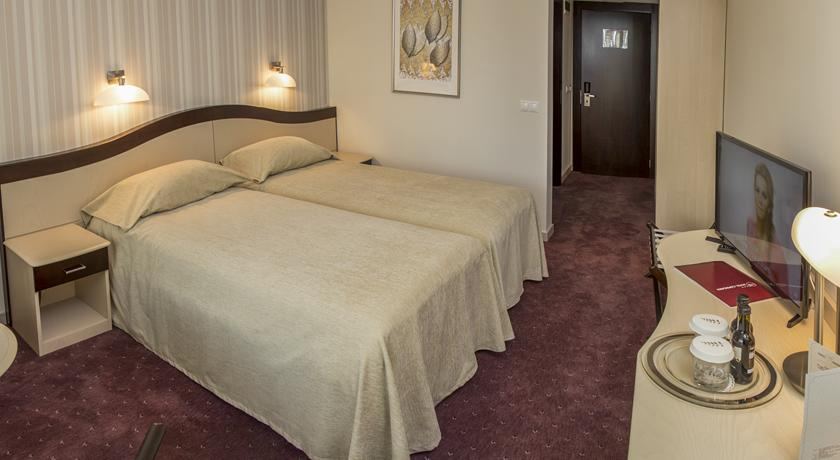 8 Martie - Hotel Caprioara