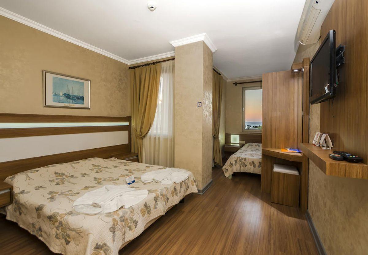 SANTAMARINA HOTEL
