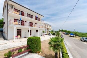 Apartments Rozaria