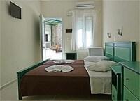 Captain Manolis Hotel