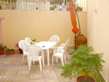 Studio in Pomorie, With Furnished Terrace and Wifi - 100 m From the Be