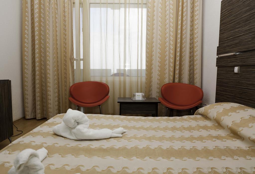 Hotel Capitol - Oferta Standard - Mic dejun - 5 nopti