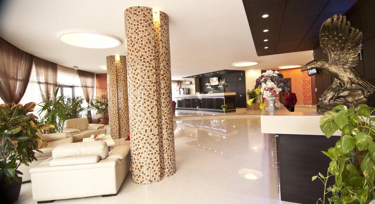 HOTEL VULTURUL