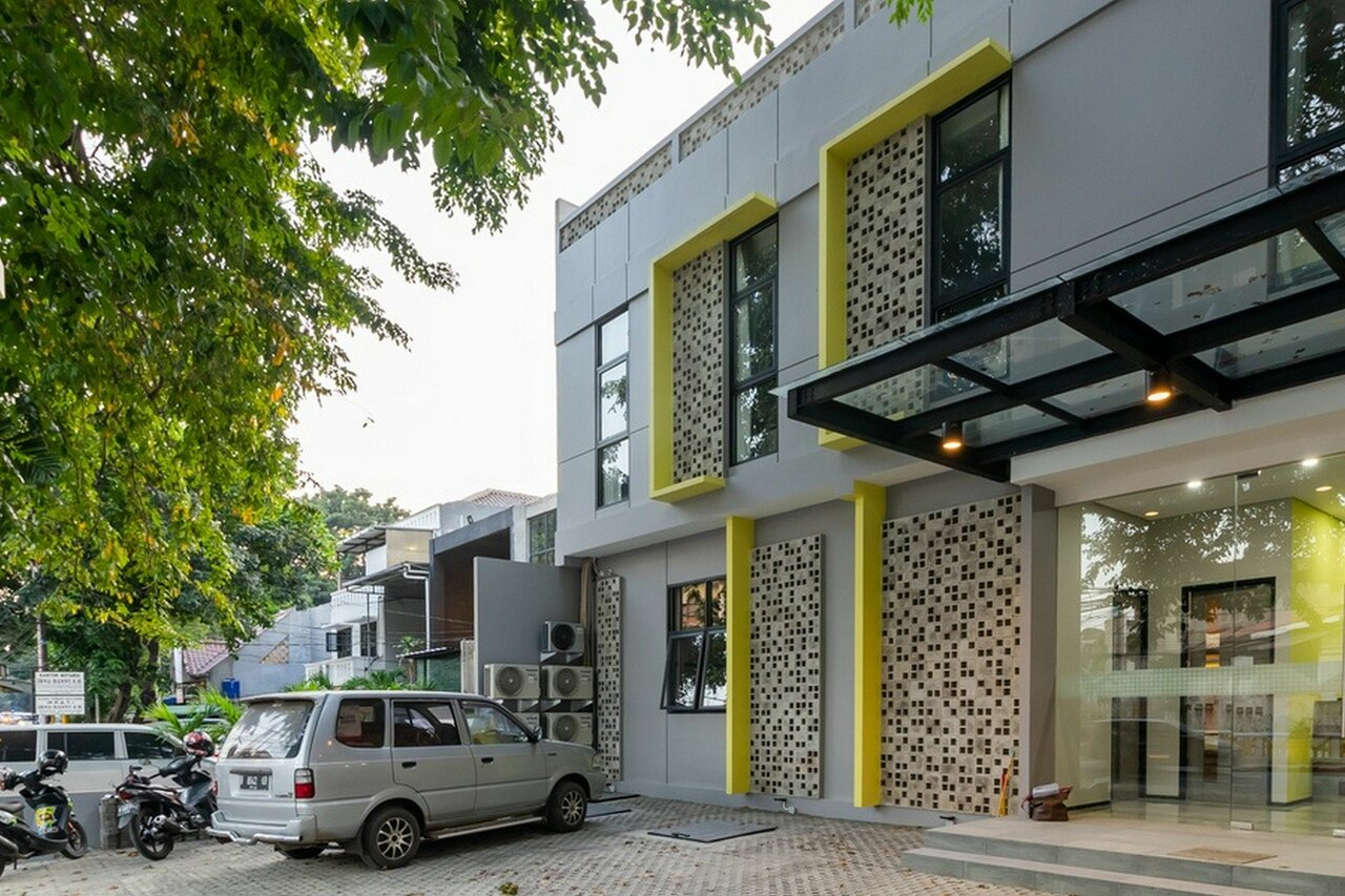 Reddoorz Plus Near Senayan City