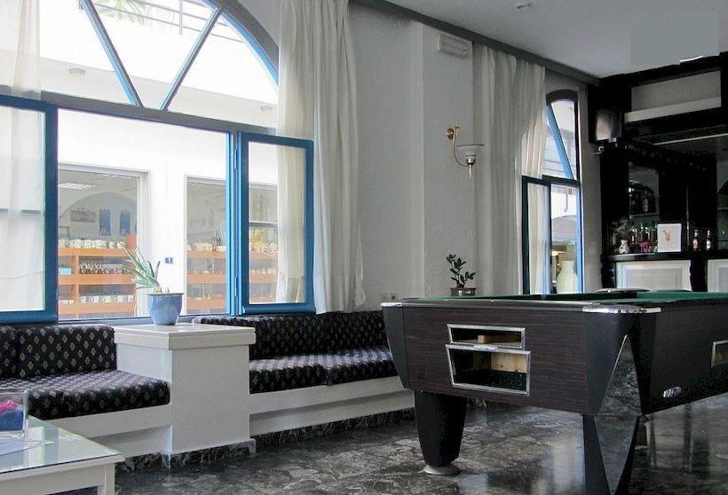 IRO HOTEL 2 *