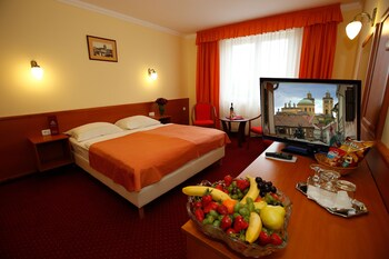Korona Eger Wellness And Conference Hotel
