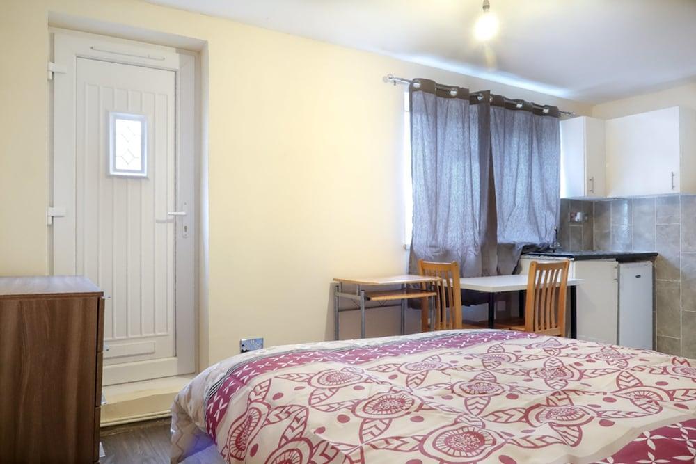 Portway Deluxe En Suite Room