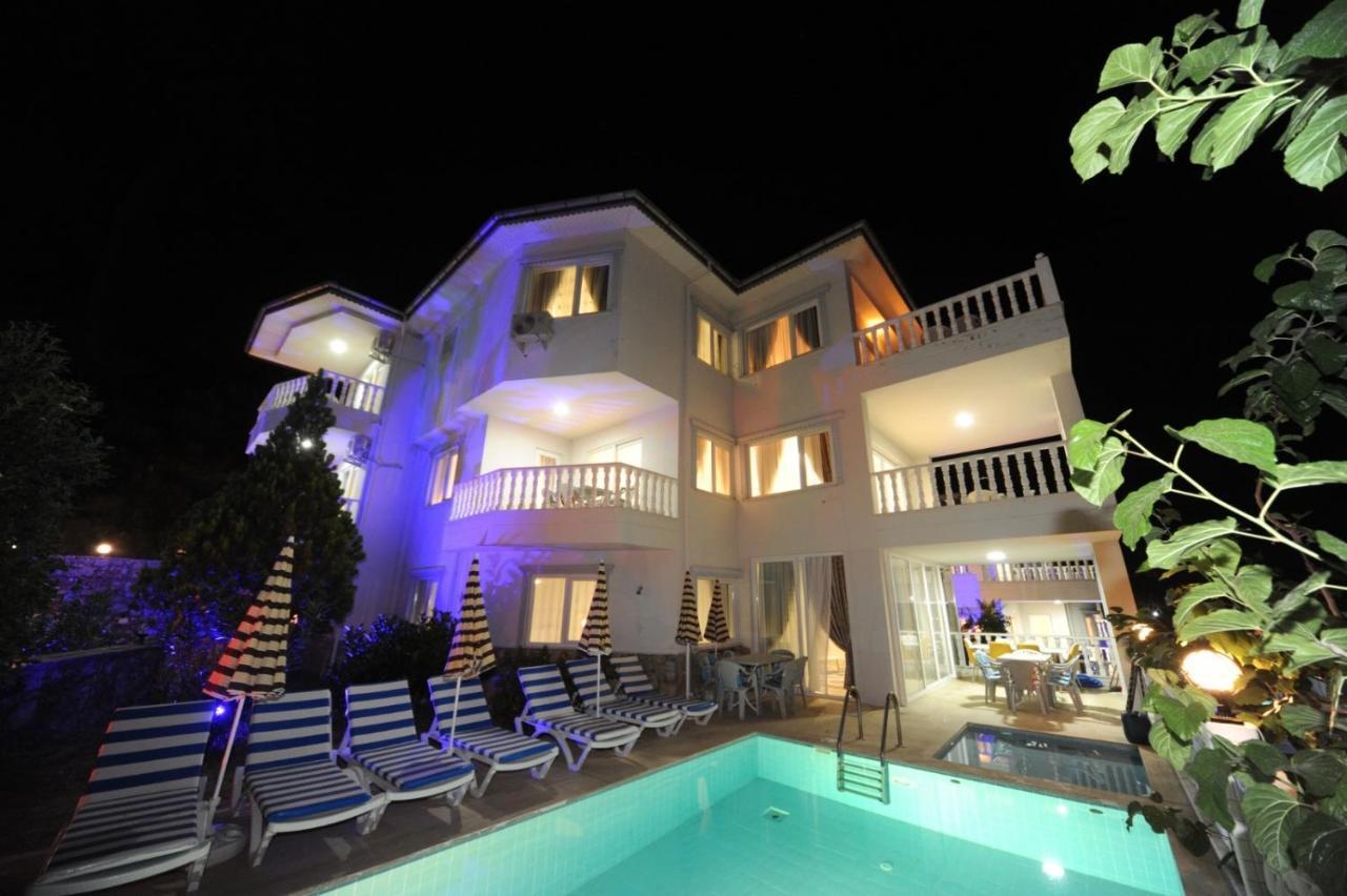 Gold Villa 1
