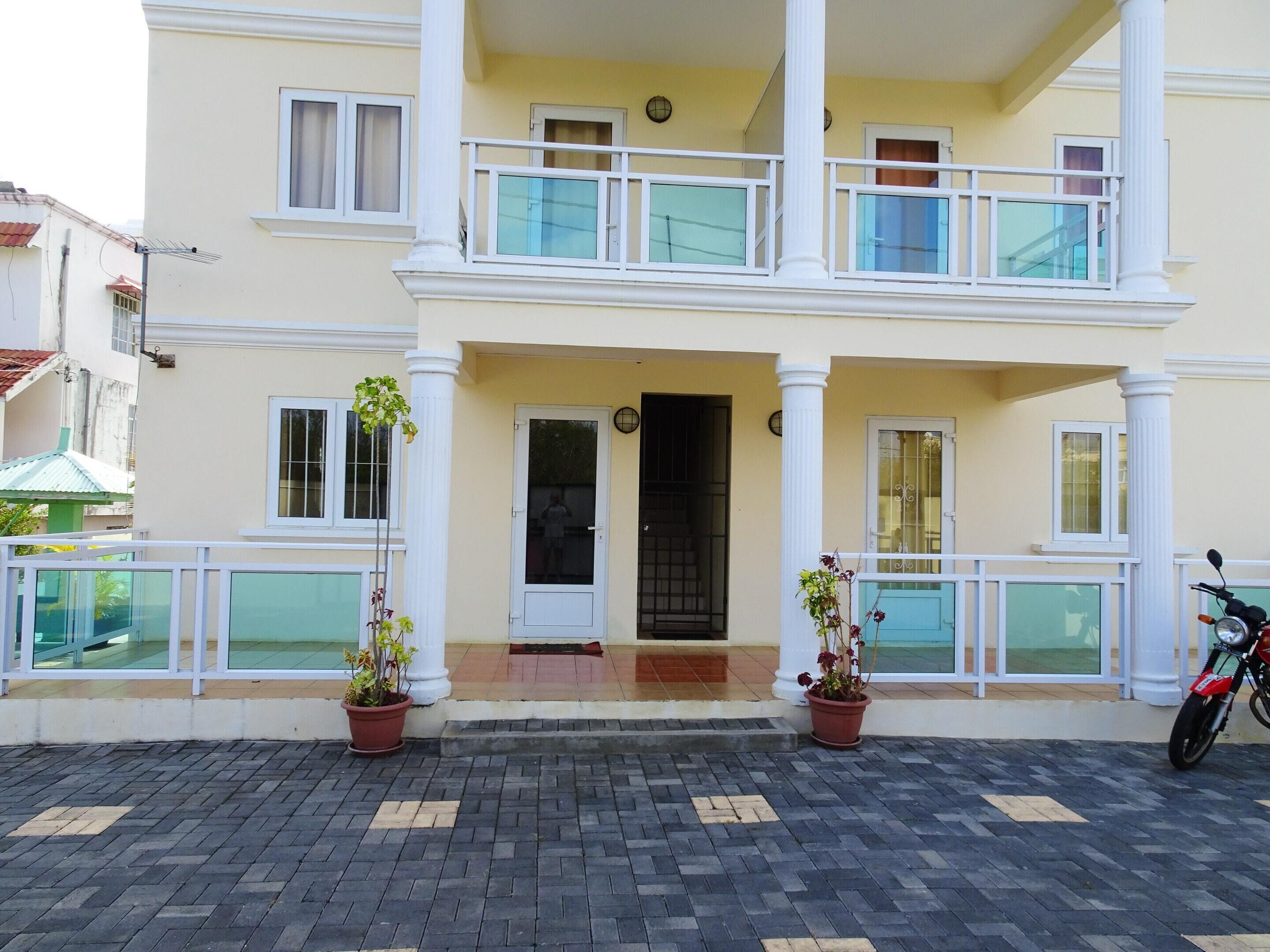 Apartment With 2 Bedrooms In Pereybere,  With Pool Access And Enclosed Garden