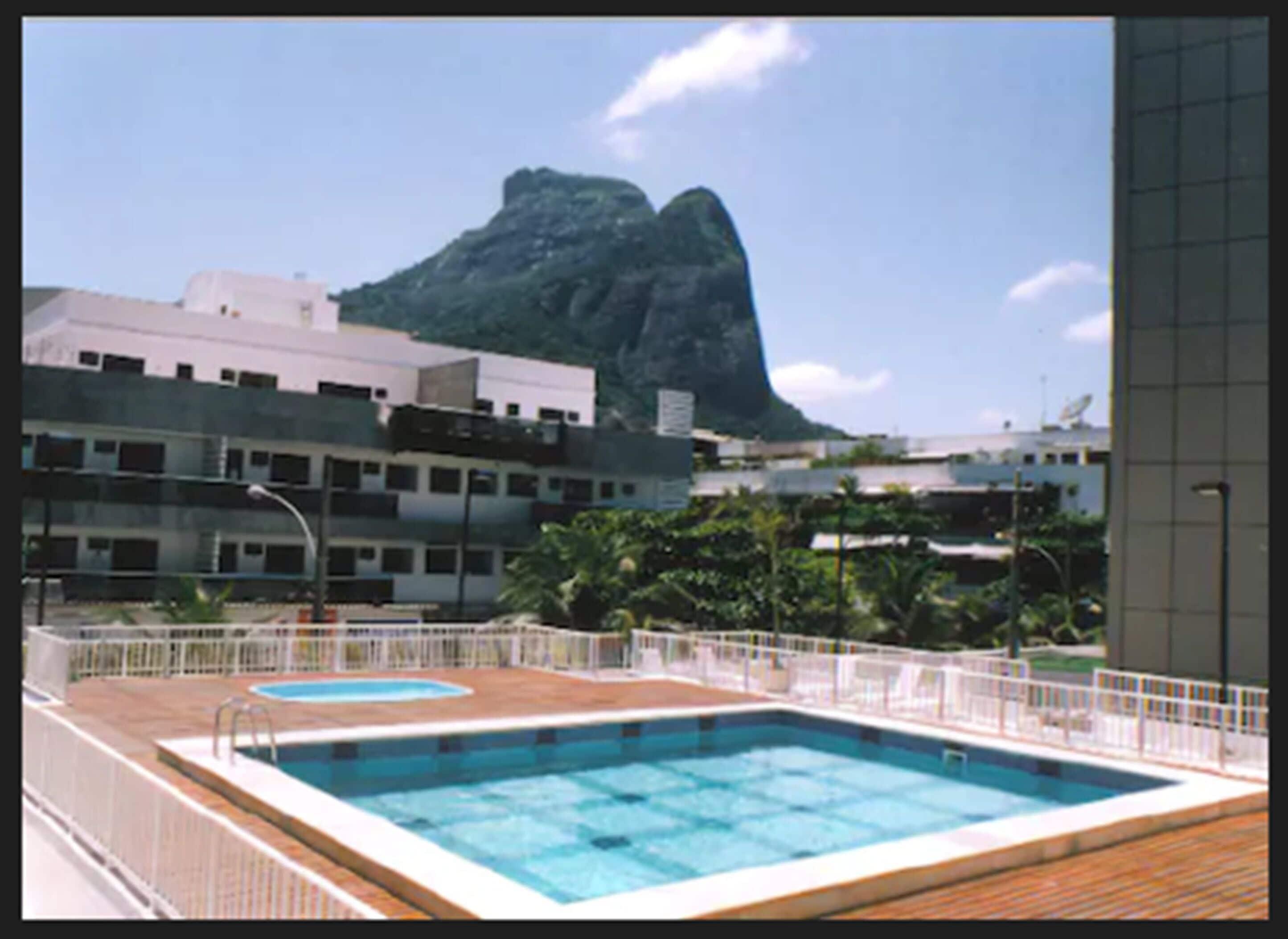 Tropical Barra