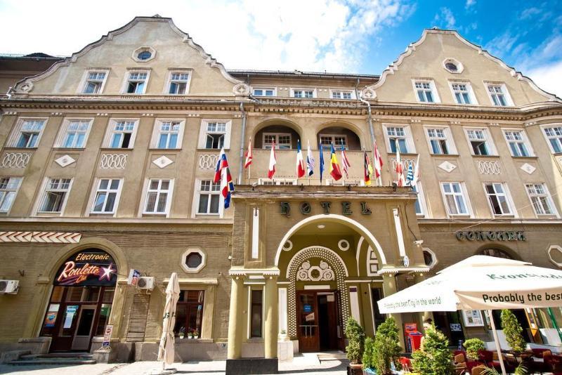 Coroana Hotel