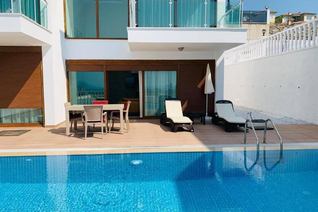 Super Luxury Modern Villa With Infinity View- Golf Park 3