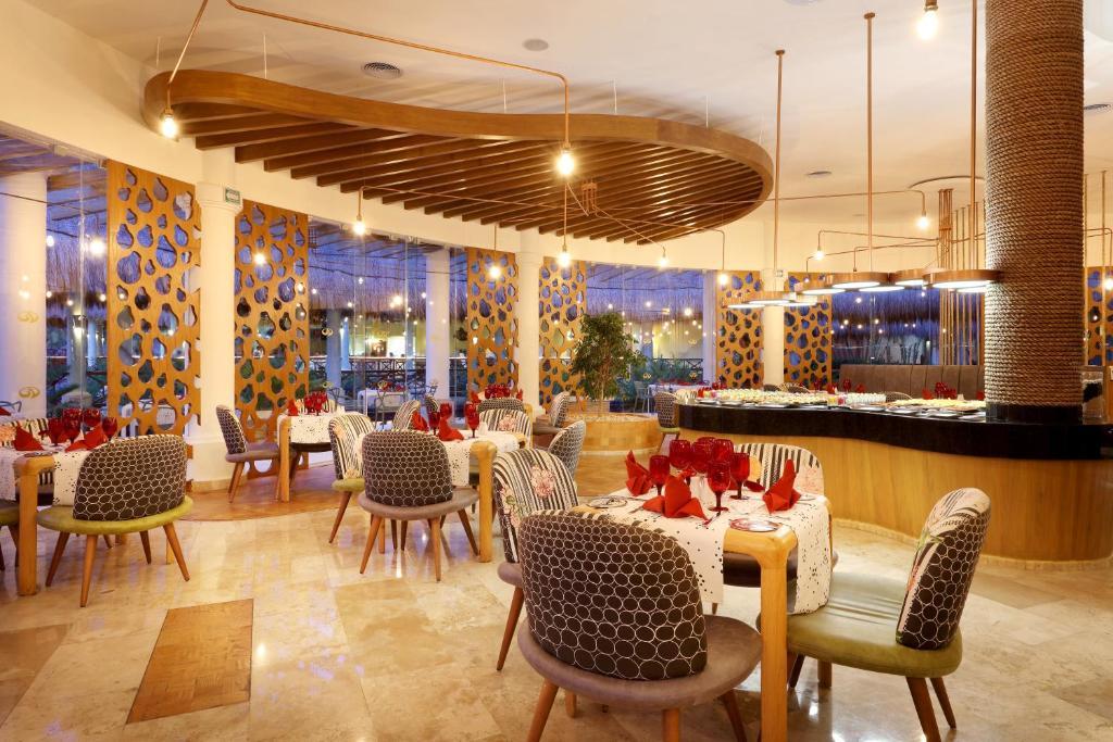 Grand Palladium Kantenah Resort & Spa