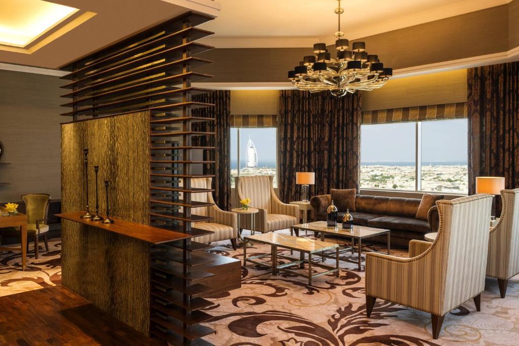 Sheraton Mall of Emirates Hotel