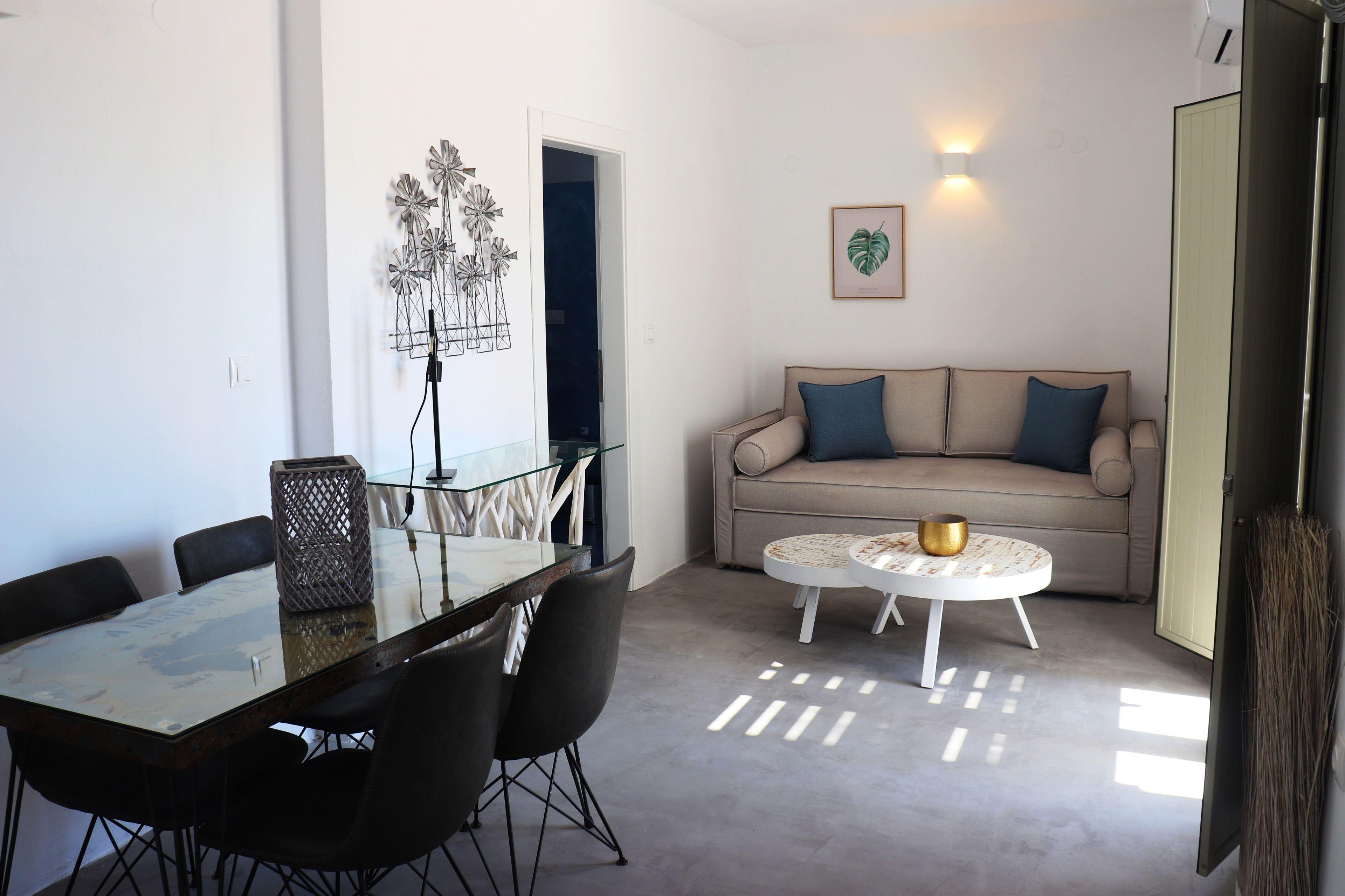 Aerenia Luxury Suites