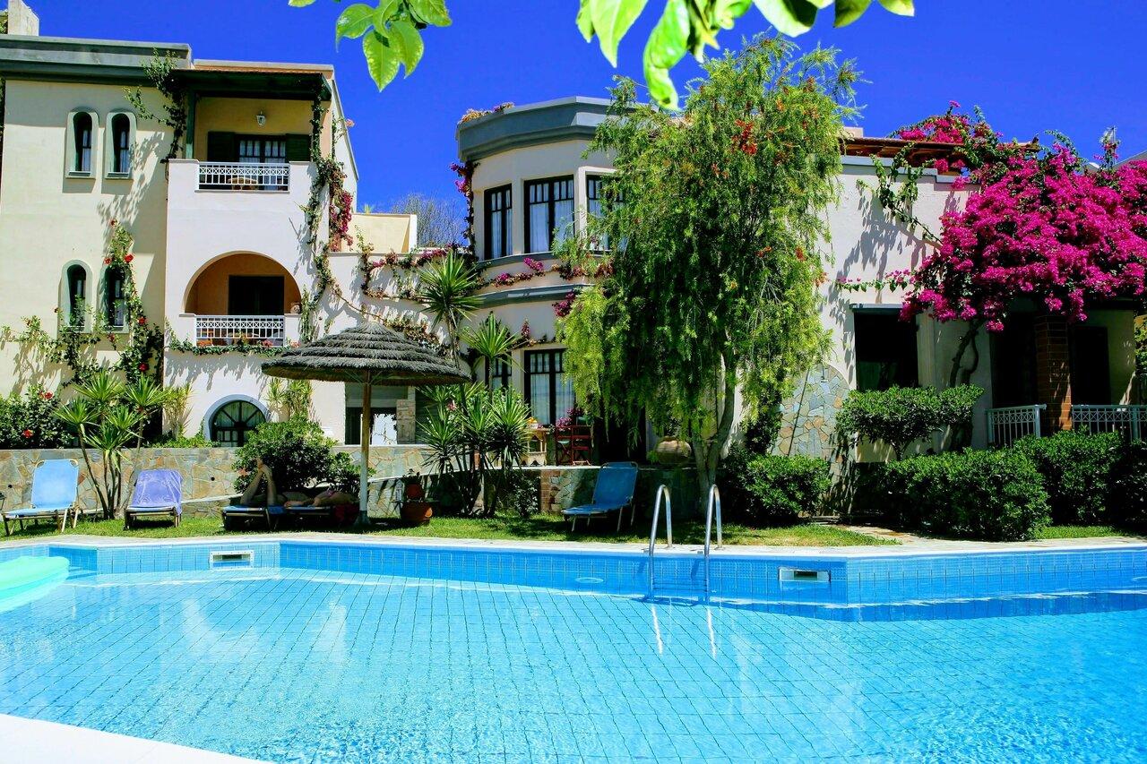 Aquarius Apartments