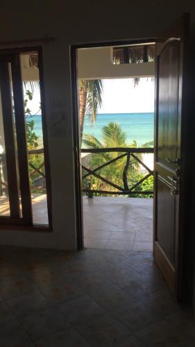 Helwa Zanzibar Beach Bungalows