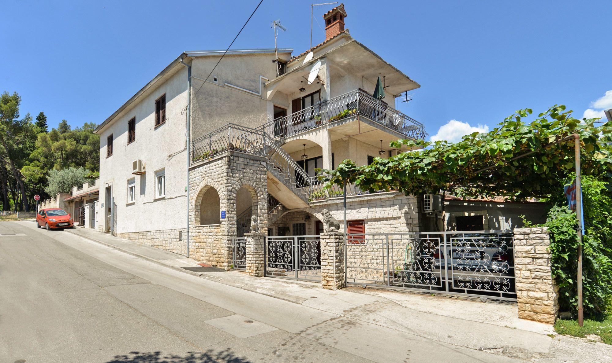 Apartment 1684