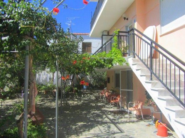Ianos Apartments