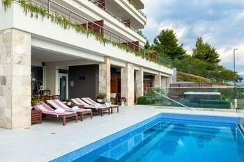Villa Jolara Apartments