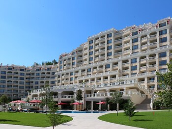 Varna South Bay Apart Complex
