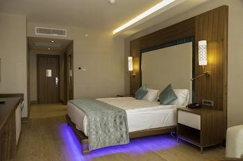 Ramada Hotel And Suites By Wyndham Kusadasi