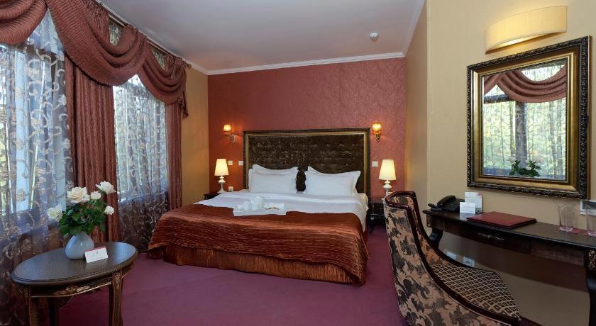 Kristel Hotel
