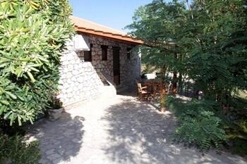 Liuba Houses