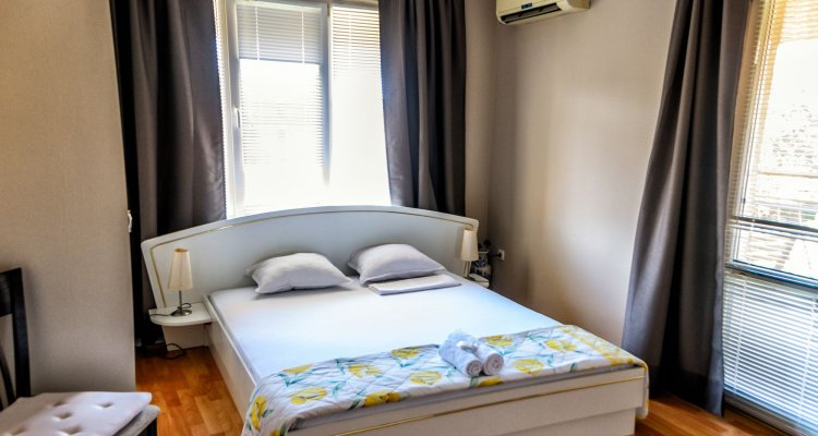 Dom Mladenovi Bed and Breakfast