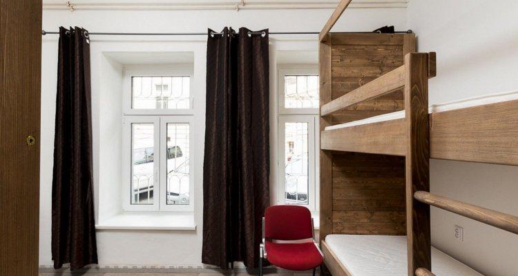 Easy Housing Hostel