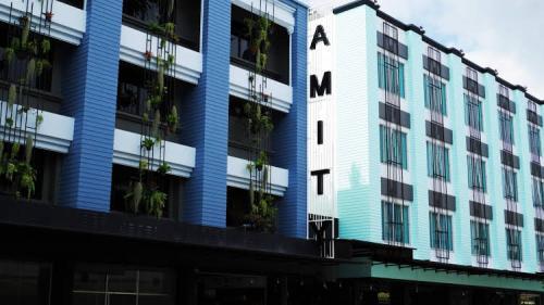 Amity Poshtel