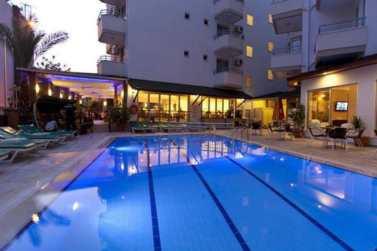 REMI HOTEL