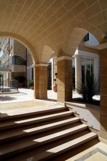 Albatres Palace