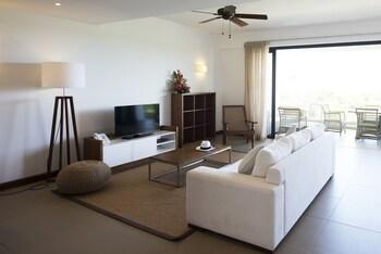 Radisson Blu Azuri Resort & Spa