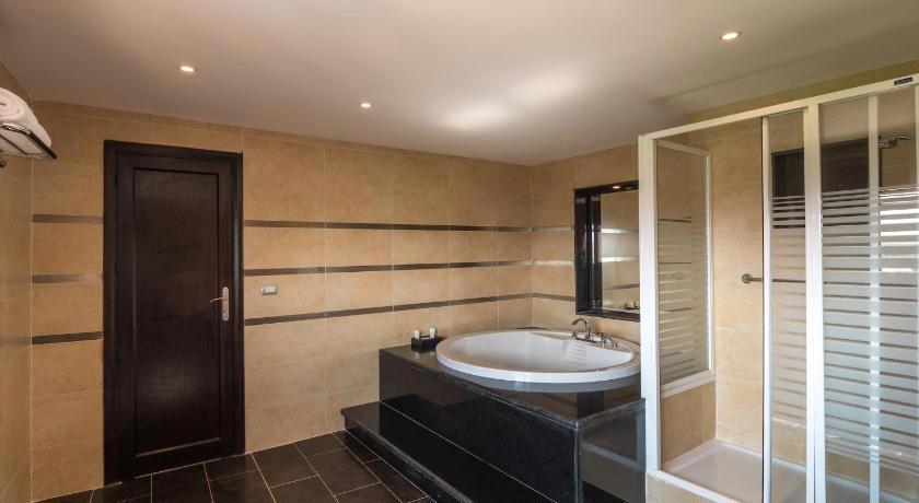 Fort Arabesque Resort, Spa & Villas