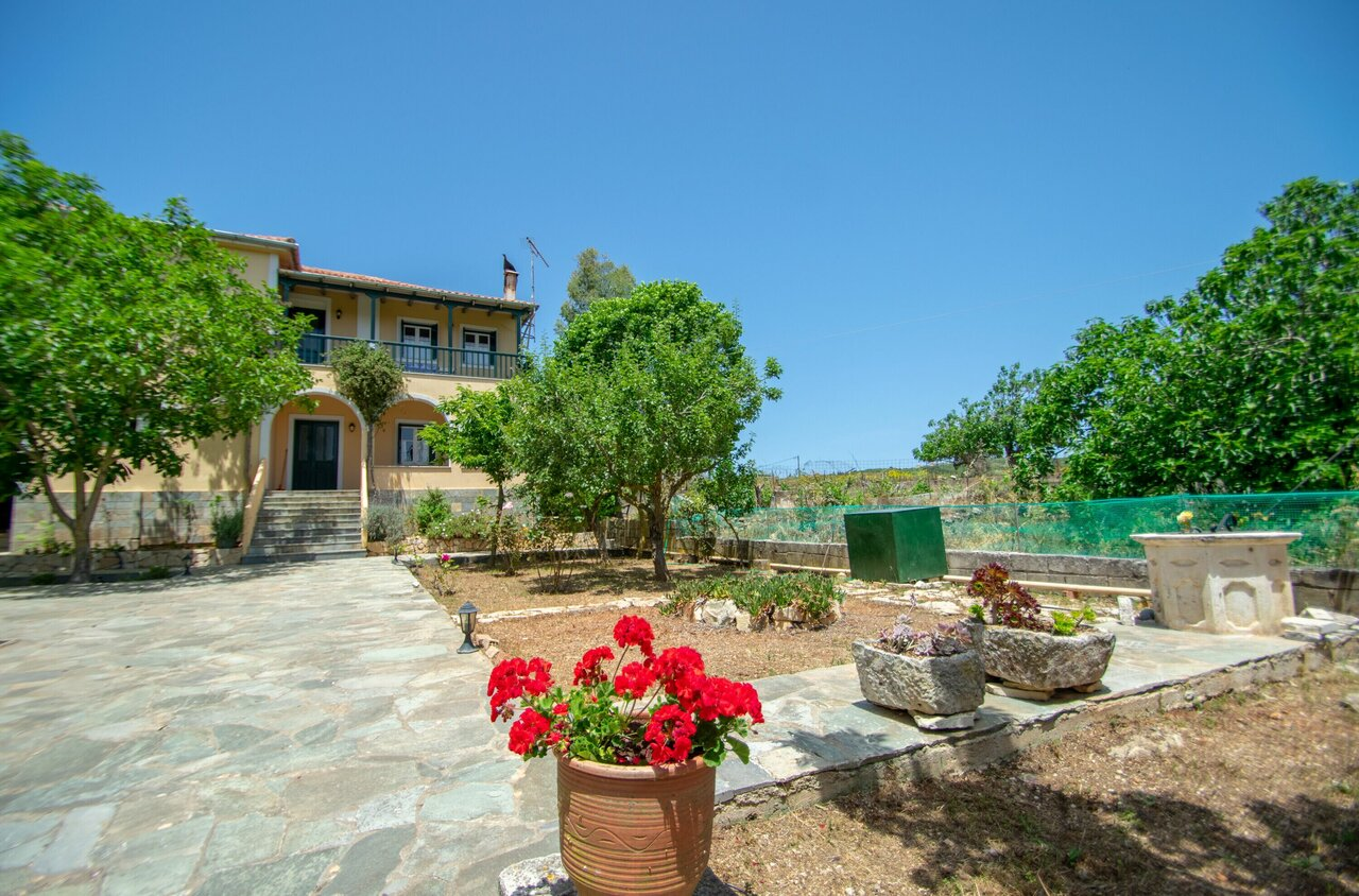 Casa Tsounis