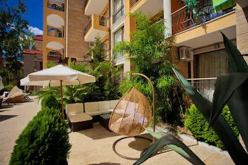 Harmony Suites 8 And 9