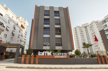 Bmk Suites And Apartments