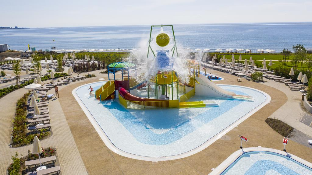 Wave Resort