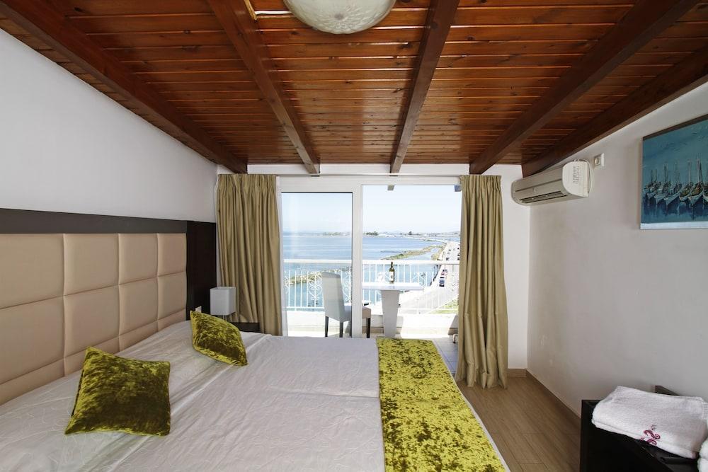 Nirikos Hotel