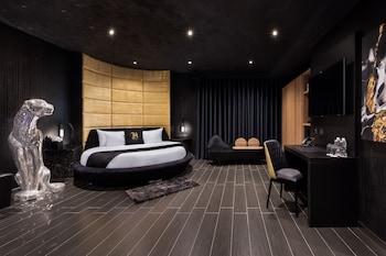 H Hotel